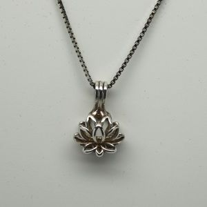 Jewelry - Sterling Silver Lotus Flower necklace